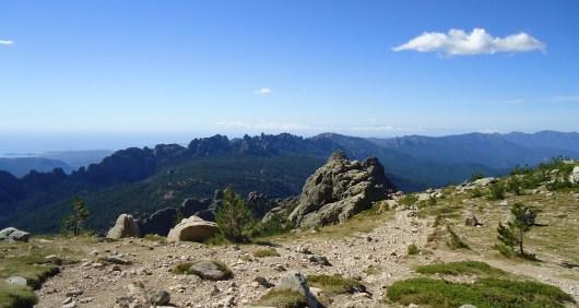 Vue magnifique : en haut de la variante alpine de Bavella