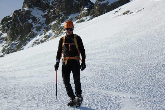 Crampons et piolet - réservés pour les accompagnements avec des Guides de haute montagne