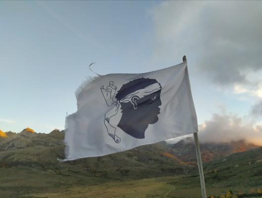 drapeau-corse-gr20-marco