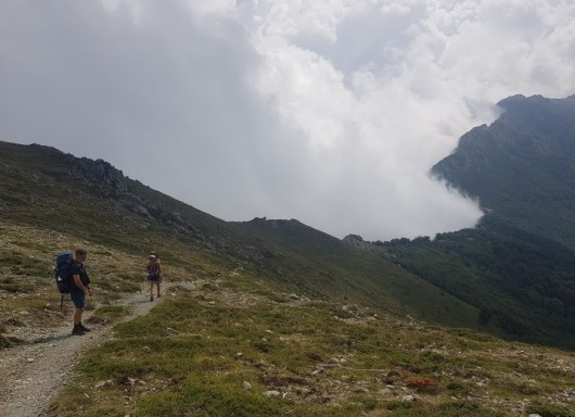 nuage-un-cote-montagne