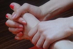 【主治医が見つかる診療所】耳と足の静脈マッサージ法!お血のチェック法