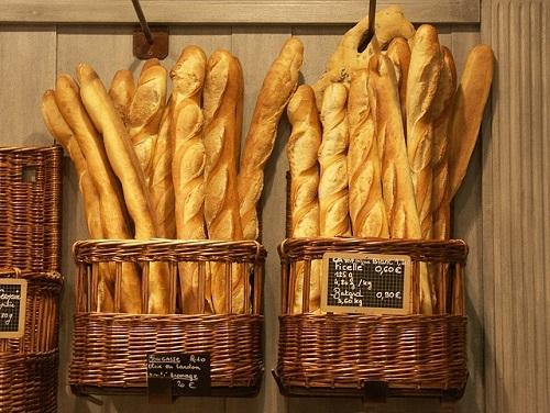 フランスパンを翌日おいしく食べる方法&食パンの食べごろ【林先生の初耳学】