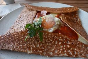 家事ヤロウ:ロバート馬場のレシピまとめ!マグロユッケ&ガレット&燻製卵かけご飯
