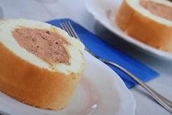 チョコクリームのロールケーキ