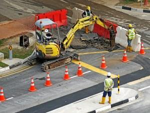 excavators-391143_1280 (2)