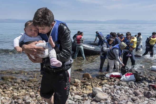 Pakistani-refugees-arrive-Lesbos