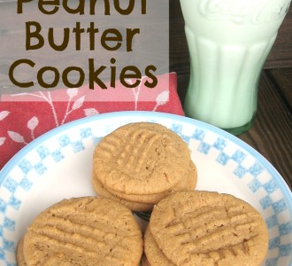Easy Peanut Butter Cookies on gracefullittlehoneybee.com