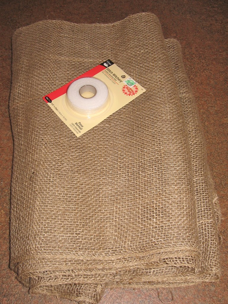 Burlap kitchen curtains no sew -  Until A Lady At The Store Convinced Me I Could Sew With Burlap Without Any Problems And She Was Right Anyway Here Is How To Make The Curtains
