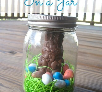 Easter Bunny in a Jar Tutorial on gracefullittlehoneybee.com #ad #HersheysEaster