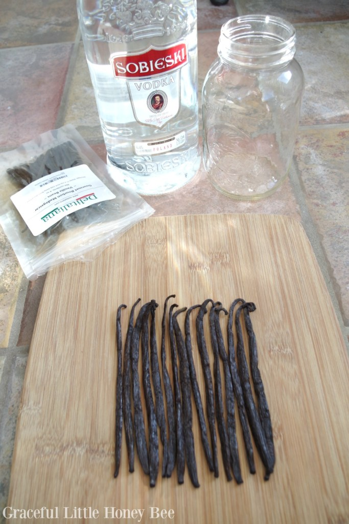 homemade-vanilla-extract-2