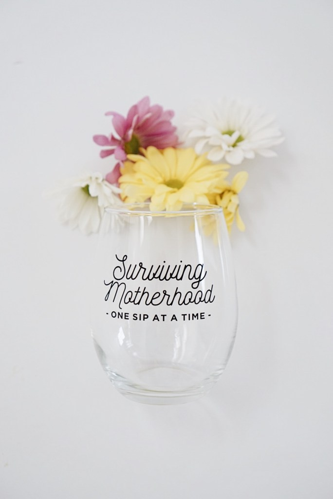 Mother's Day Gift Guide + Giveaway! SO many awesome shops + products. www.gracefulmommy.com