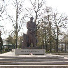 Pomnik J.Piłsudskiego
