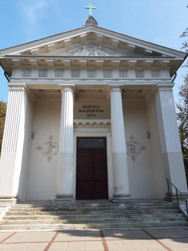Zwiedzanie Cmentarzy Ewangelickich w Warszawie