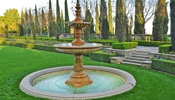 fountain in Greystone Mansion & Gardens in Beverly Hills