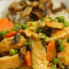 пиле със зеленчуци и сметанов сос