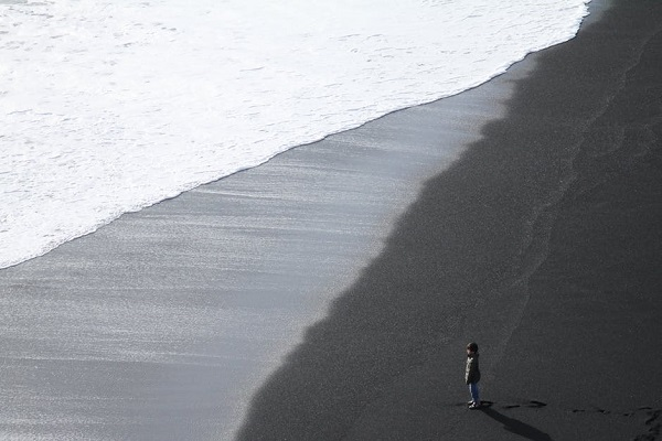море-дете-бяло-и-черно