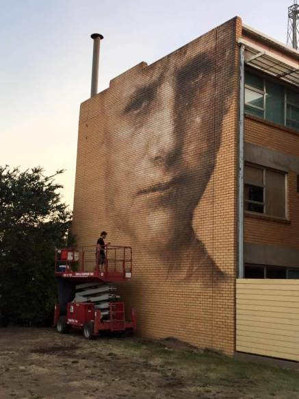 Guido Van Helton. Photo © Benalla street art wall to wall