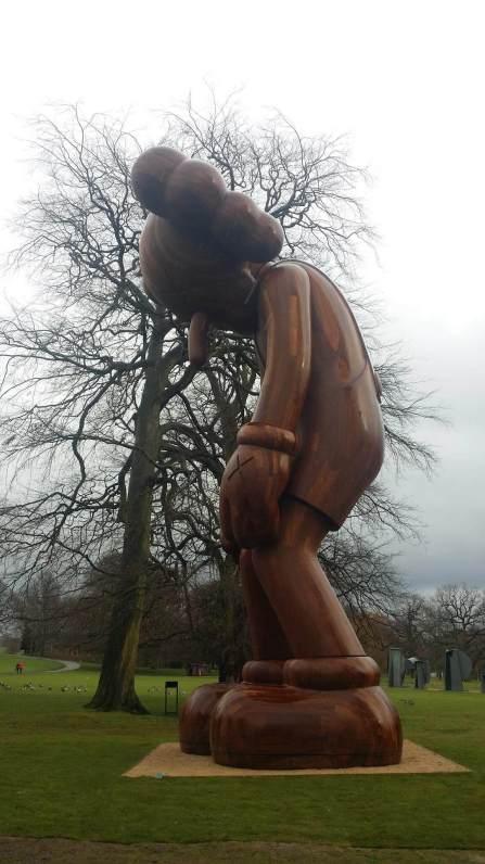 kaws-yorkshire-sculpture-park-2016-14