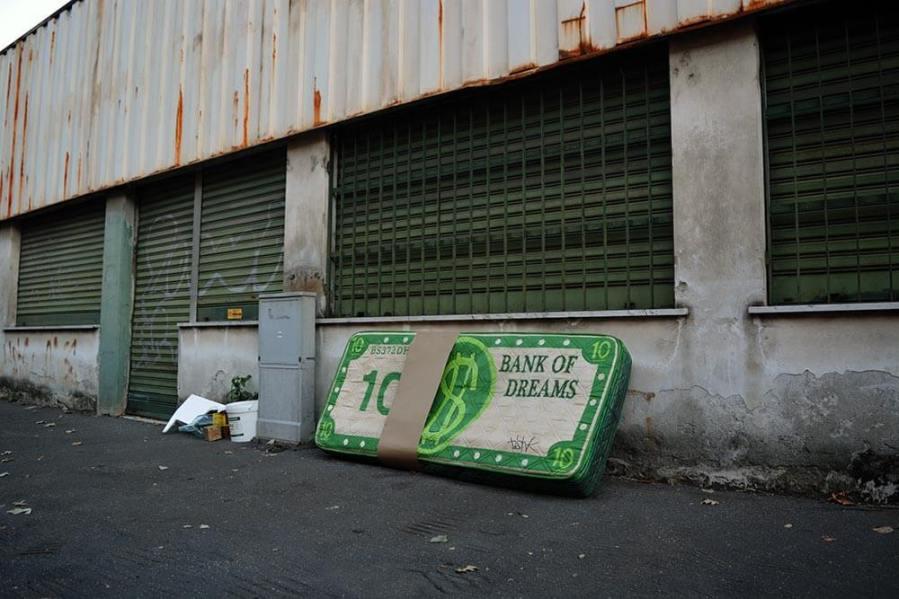 BiancoShock - Bank of dreams, Public art, Milan Photo credit BiancoShock