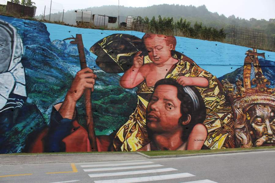 Gaia, Street art mural depicts Migration, Italy 2016