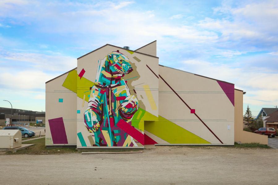 Arlin, Pangeaseed Foundation, Sea Walls: Murals for Oceans Street Art Festival Churchill, 2017. Photo Credit Tré Packard