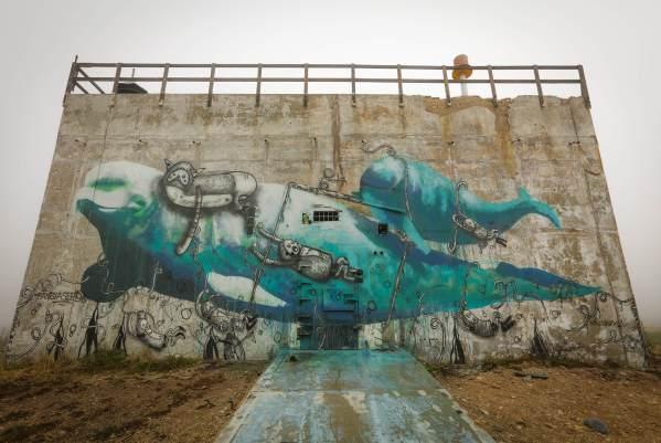 Kai Kaulukukui and Crackedink, Pangeaseed Foundation, Sea Walls: Murals for Oceans Street Art Festival Churchill, 2017. Photo Credit Tré Packard