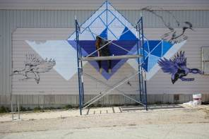 Storm Angeconeb, Pangeaseed Foundation, Sea Walls: Murals for Oceans Street Art Festival Churchill, 2017. Photo Credit Tré Packard