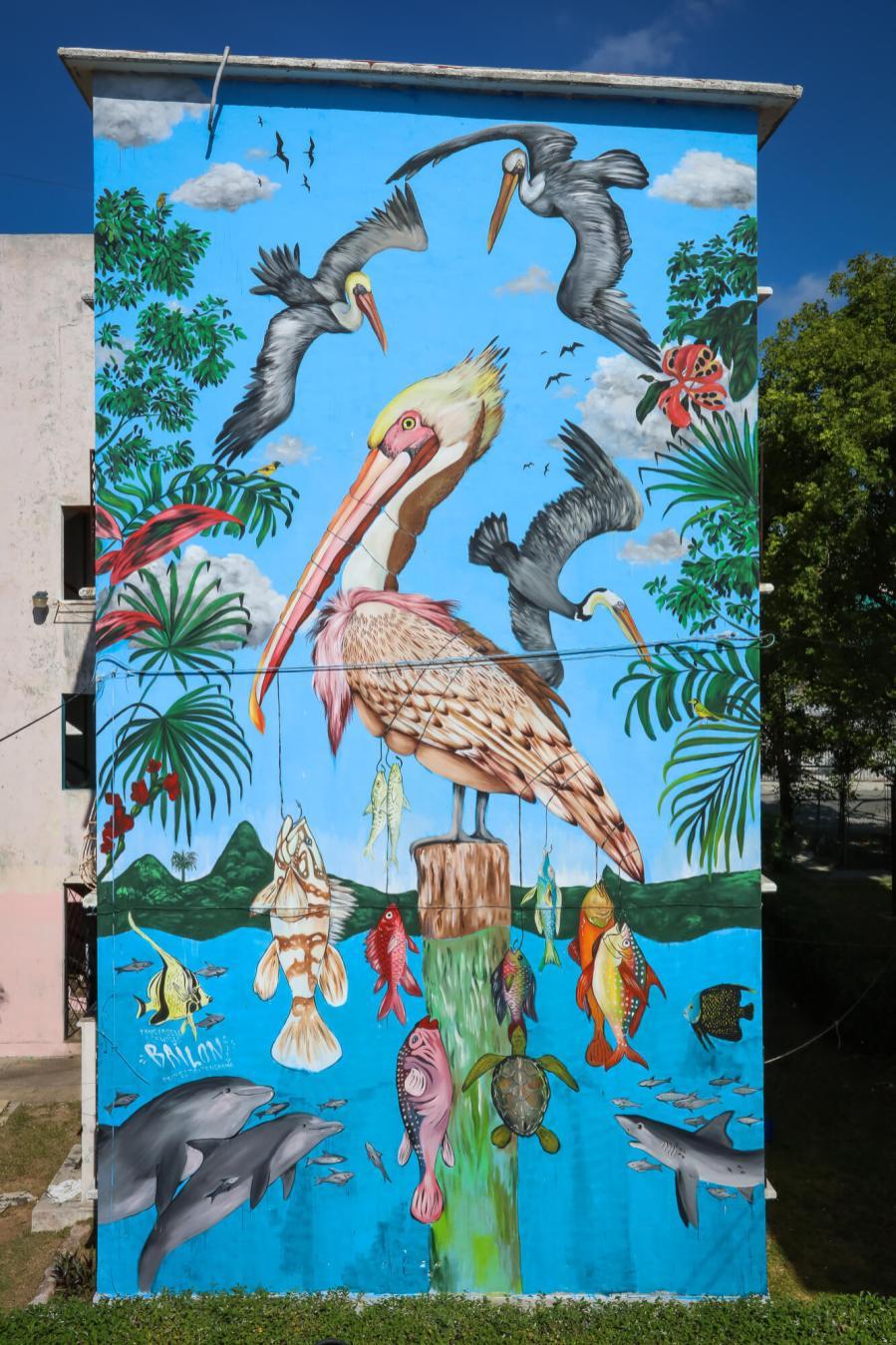 Mateus Bailon, Sea Walls: Artists for Oceans Street art festival Cancun, Mexico 2017. Photo Credit Tre' Packard.