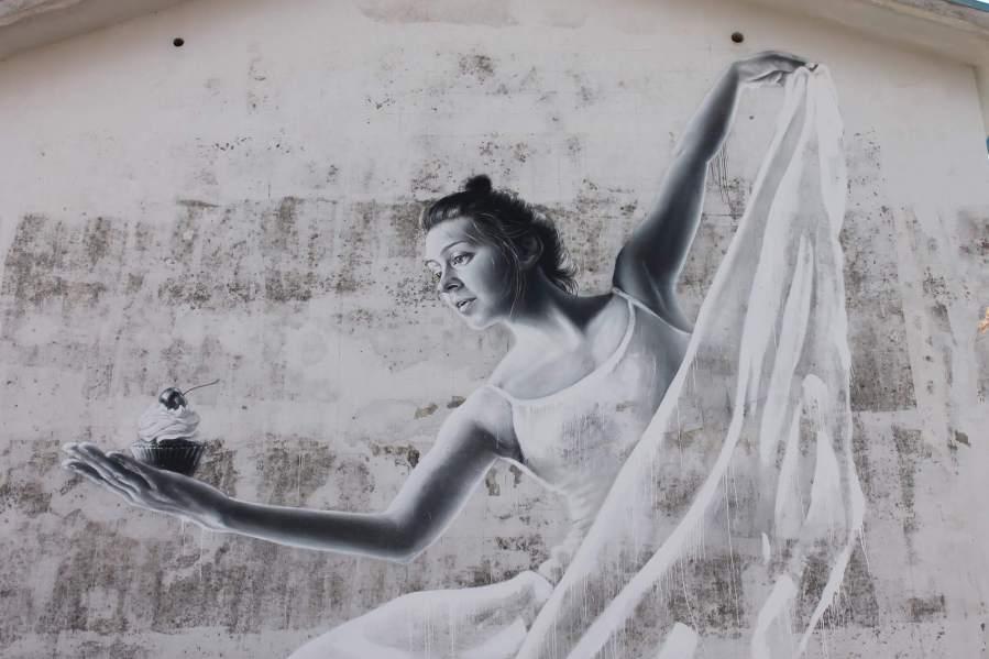 sasha-korban-Cherry-on-top-cake-dancer-street-art-italy