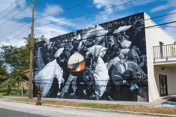 Axel Void and LEO, SHINE st Petersburg Street Art Festival, Florida 2017. Photo Credit Iryna kanishcheva