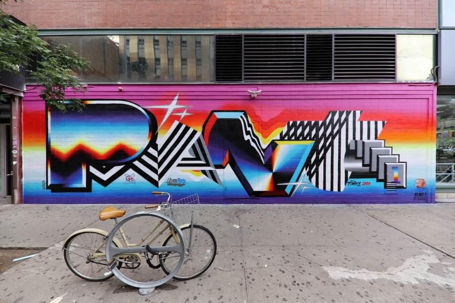 felipe-pantone-st-artnow-Ludlow-St-Delancey-New-York-street-art-just-a-spectator-6