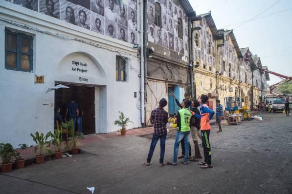 start-street-art-festival-mumbai-india-2017-Inside-Out-Project-by-Akshat-Nauriyal-and-Pranav-Gohil-pc-Akshat-Nauriyal