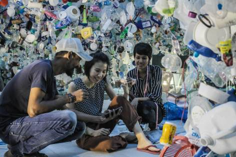 start-street-art-festival-mumbai-india-Tan-Zi-Xi-Plastic-Ocean-pc-Pranav-Gohil