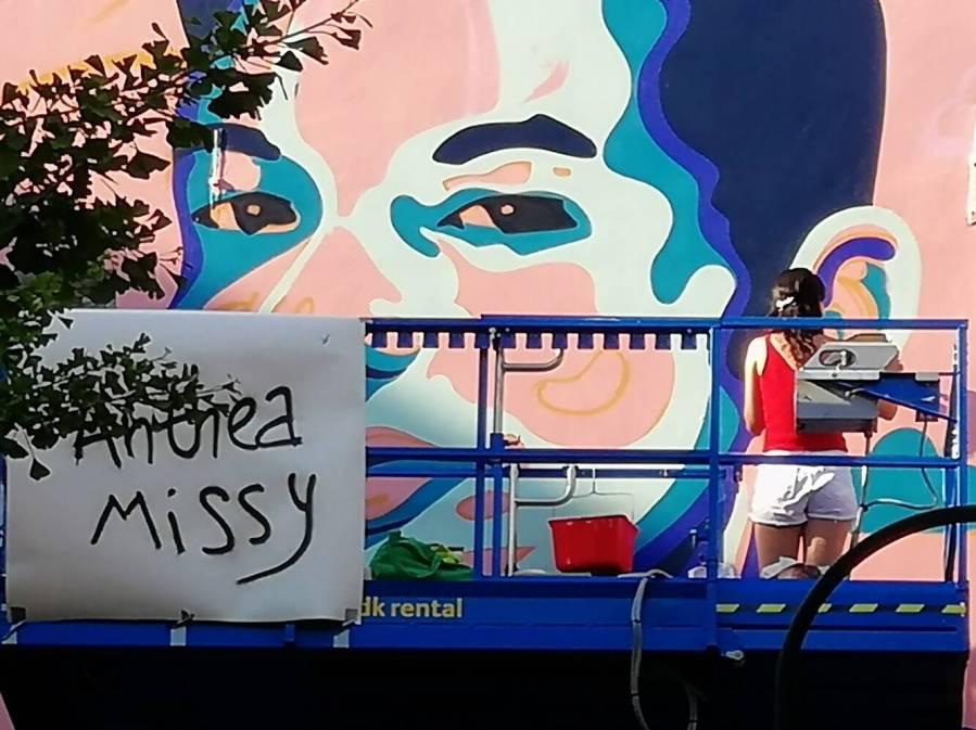Ihsane-jarfi-Anthea-Missy-mural-Brussels-street-art-lgbtq-fanny-seligmann-4
