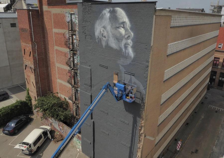 elmac-street-art-Antwerp-Belgium-pc-tim-Streetartwerpenaar-