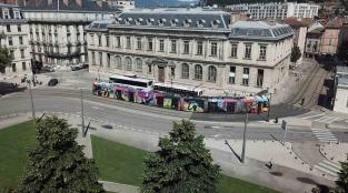 Grenoble-Street-Art-Festival-Malpegados-tramway