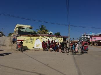 ador-childrens-orphanage-workshop-madagascar-june-2018-alliances-francaises-street-art-34