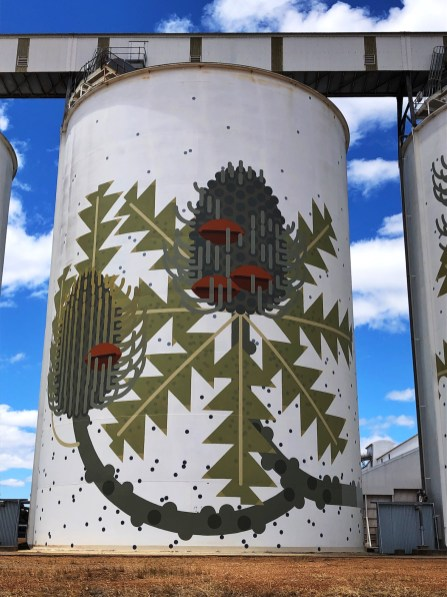 Amok Island – PUBLIC Silo Trail of Western Australia –Ravensthorpe Silos were completed in September 2016. Photo Credit Annette Green