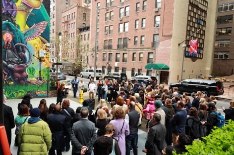 Clandestinos-Manhattan-New-York-City-ILO100-Art-Walk-street-art-for-mankind-pc-just-a-spectator-3