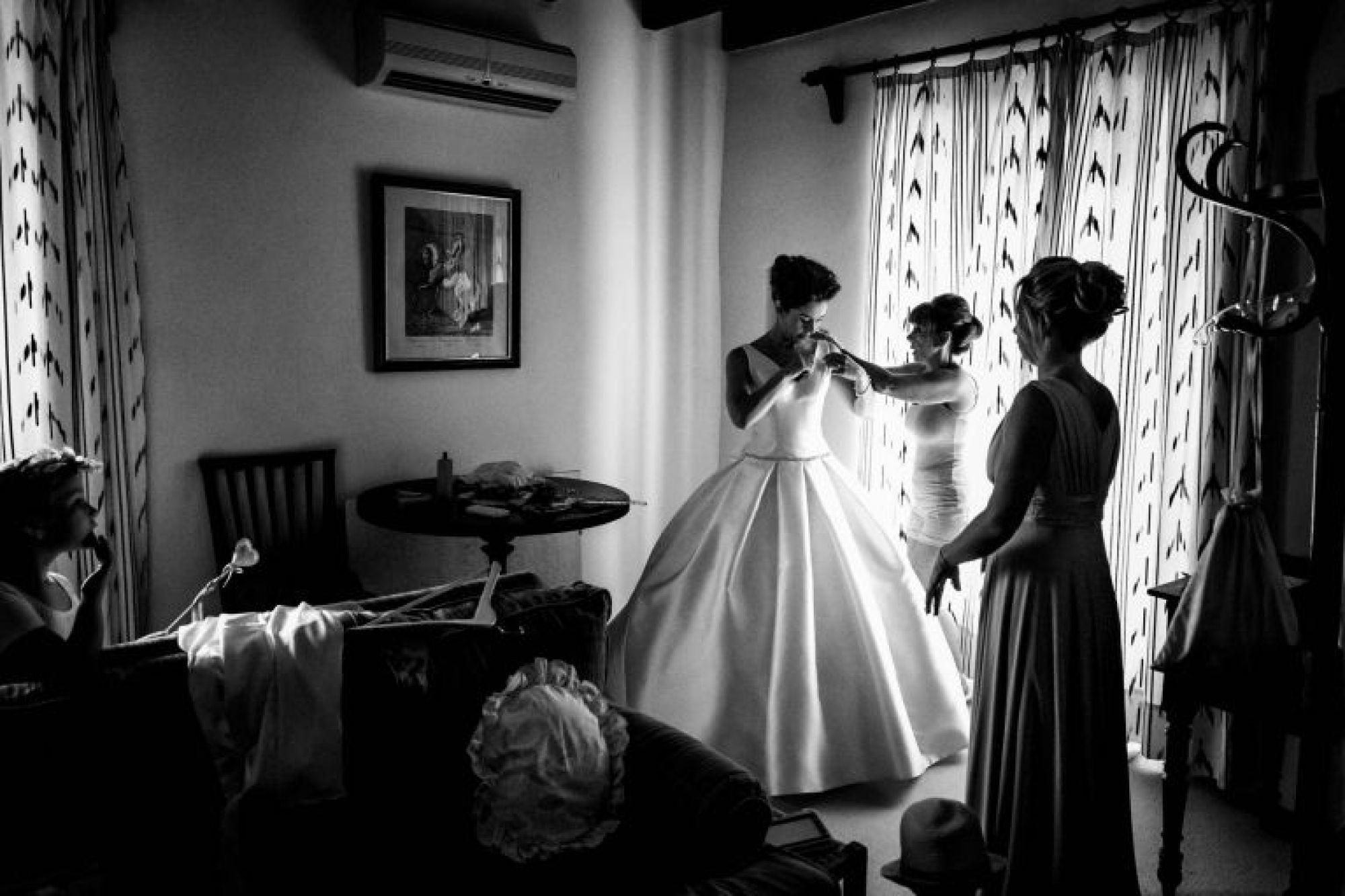 Mum helps bride at Pedruxella Gran