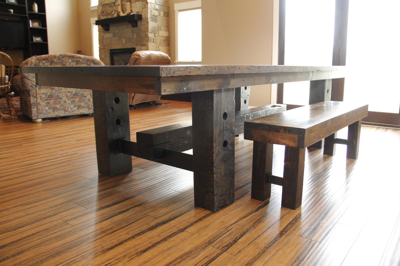 Choosing The Right Size Finish And Style Of Dining Table