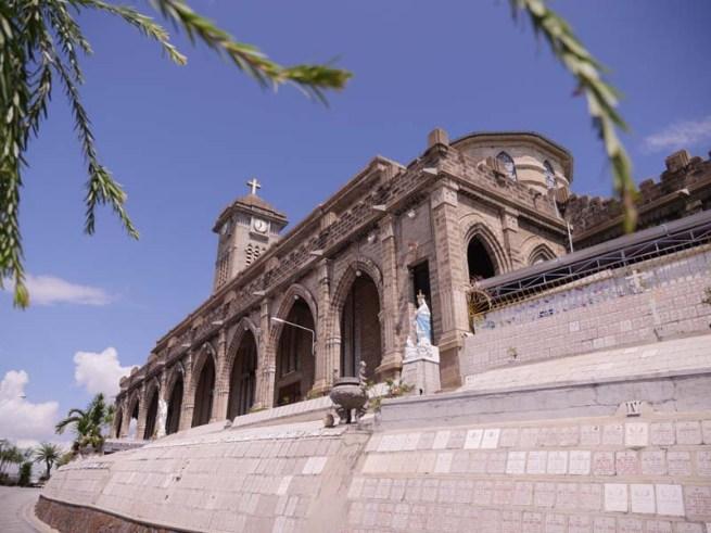 Cathédrale gothique Christ-Roi Nha Trang