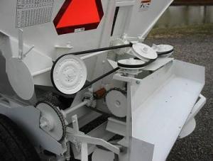 Farm Equipment For Sale: Willmar 500 Fertilizer Buggy