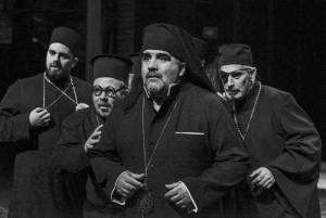Un-grec-la-Săpânţa-sau-Alegorie-despre-moarte-la-teatru5