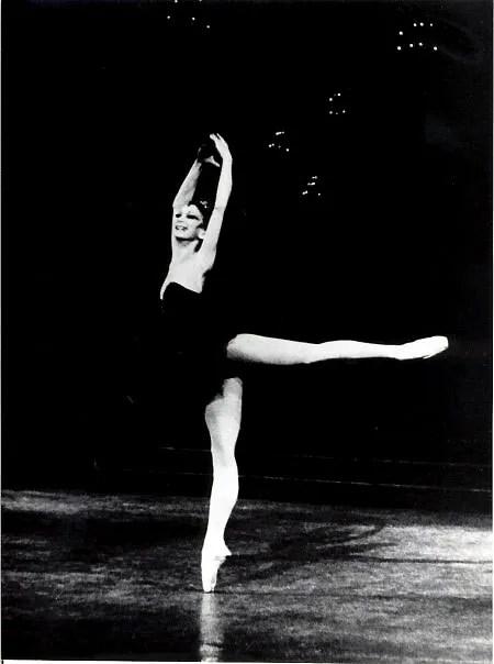 Maina-Gielgud-Black-Swan-Festival-Hall-1973