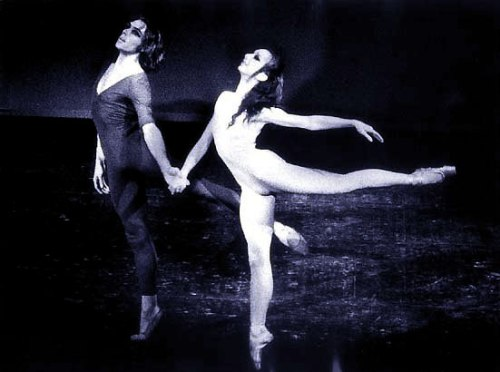 Maina Gielgud in Serait ce la Mort with Jorge Donn