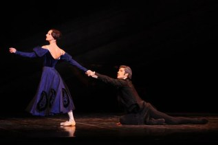 Maria Eichwald and Roberto Bolle in Onegin La Scala