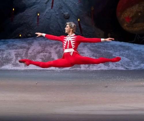 Tsiskaridze in festive mood - by Mikhail Logvinov (Bolshoi Theatre)