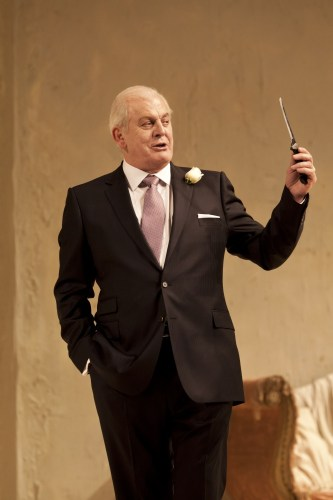 Don Alfonso in Così fan tutte - photo by Johan Persson