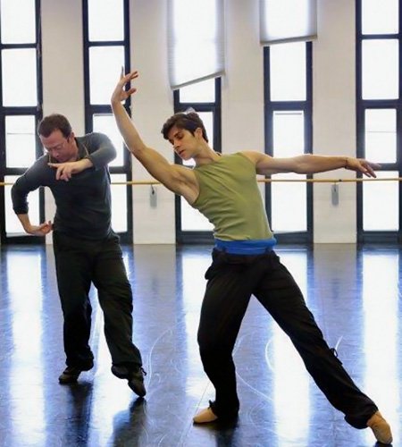 Alexei Ratmansky with Roberto Bolle creating 'Opera' _ Photo by Marco Brescia & Rudy Amisano, Copyright Teatro alla Scala